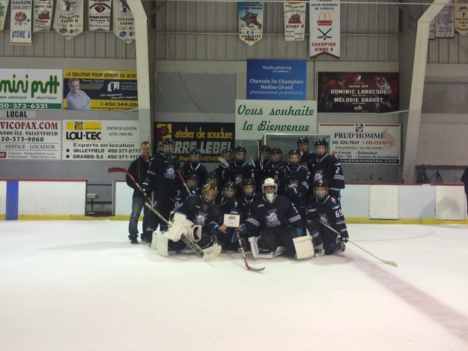 L'équipe Benjamin remporte la classique de hockey scolaire U13